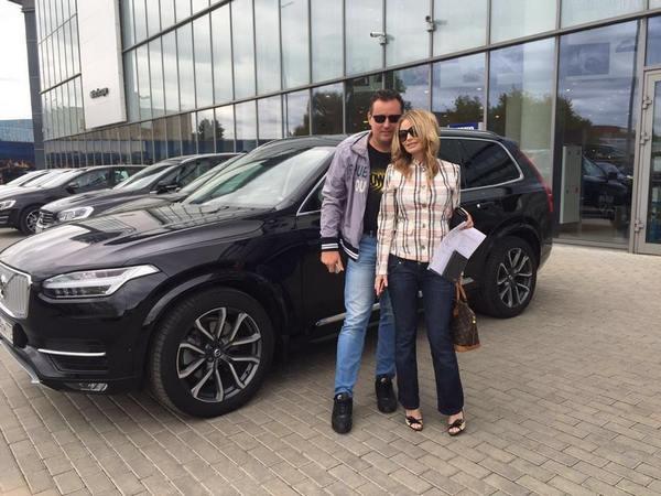 Дана Борисова и ее избранник тестируют новый автомобиль