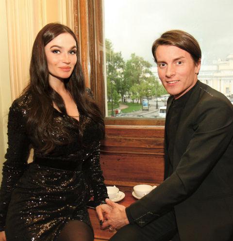 Алена Водонаева с возлюбленным Алексеем Косинусом