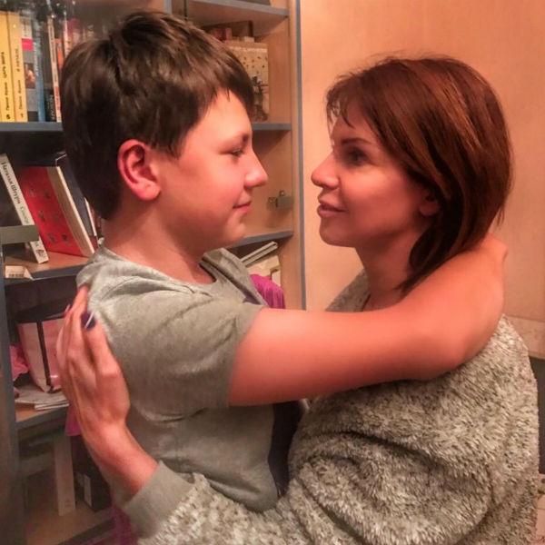 Арсений обожает проводить время со звездной мамой