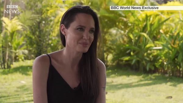 Анджелина Джоли подала на развод с Брэдом Питтом в сентябре 2016 года