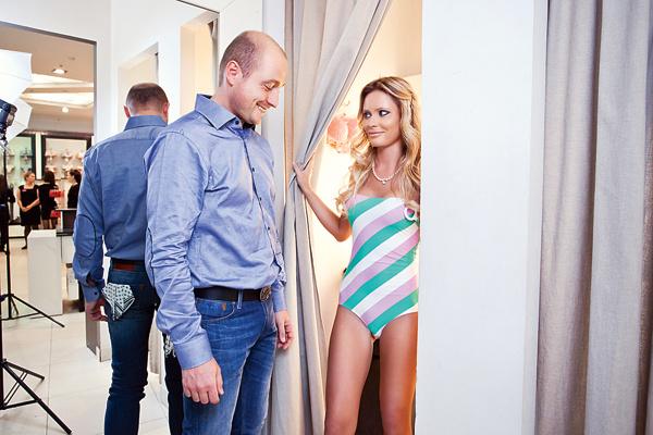 Дана Алексею: «Леш, ну как?» По взгляду Алексея понятно – он в восторге