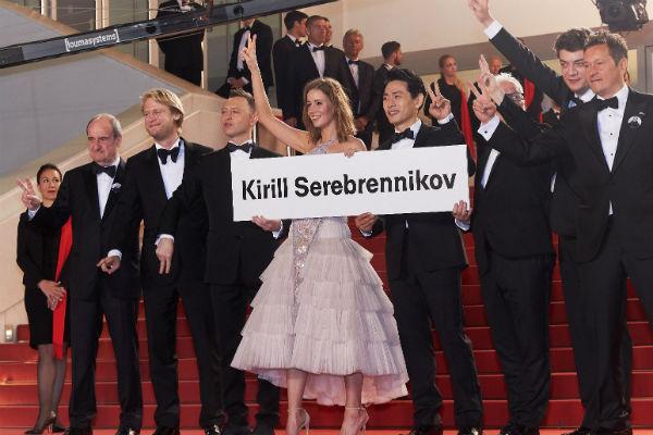 Съемочная группа фильма «Лето» на красной дорожке Каннского кинофестиваля