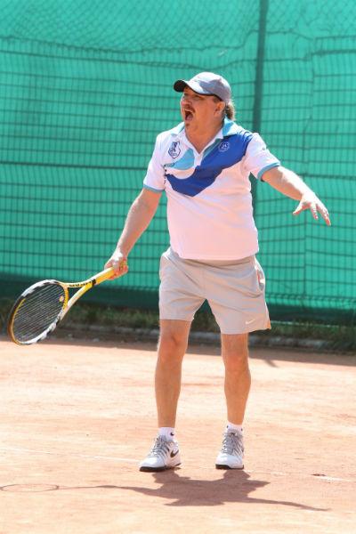 Игорь Николаев сыграл в теннис с Романом Костомаровым и Леонидом Агутиным