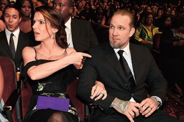 В апреле 2010 года Сандра подала на развод с Джесси Джеймсом. По слухам, причиной расставания стали его измены