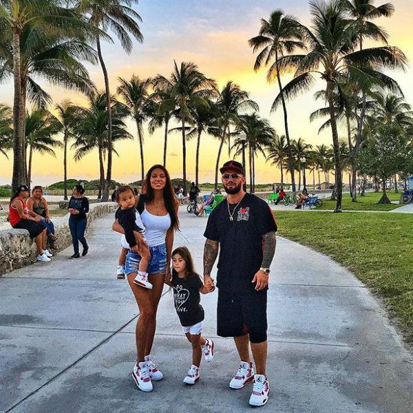 Семья отдыхает в Майами