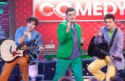 Андрей Аверин выступает в составе трио вместе с Дмитрием Сорокиным и Зурабом Матуа