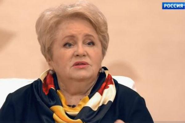 Людмила Владимировна считает, что она могла бы помочь Соловьеву