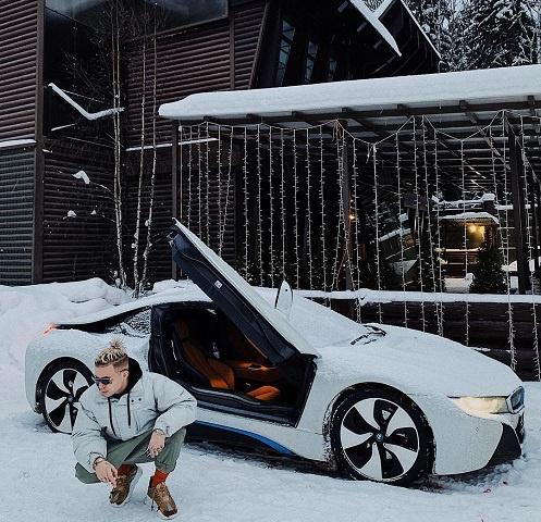 Элджей со своей новой машиной