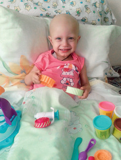 Даже в больнице Лиза улыбается