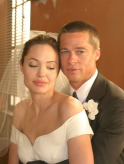 "Анджелина Джоли и Брэд Питт на съемках фильма ""Мистер и миссис Смит"""
