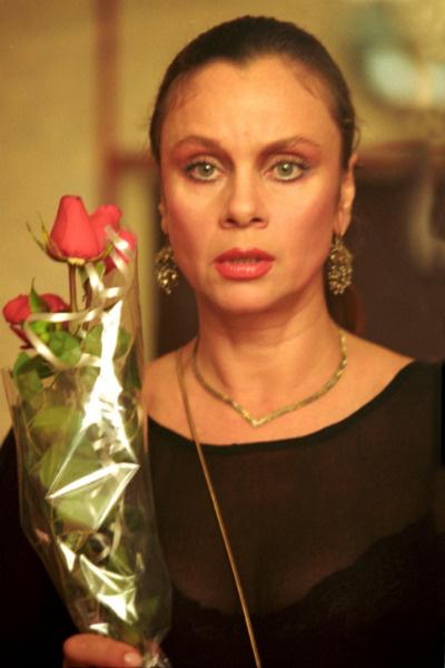 Переехав в Москву, Любовь Полищук мечтала купить им с сыном квартиру