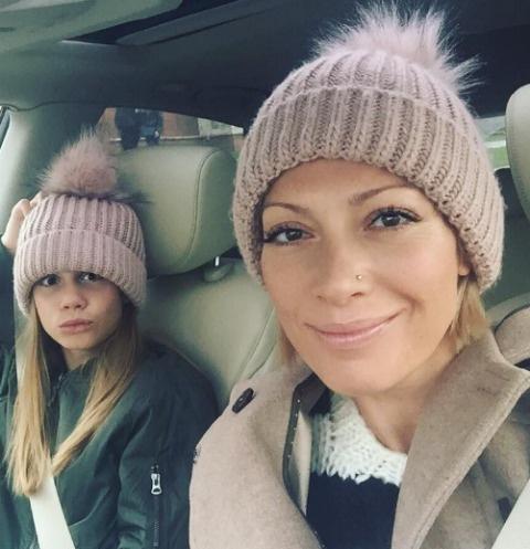 Смотреть русская дочка заставляет маму