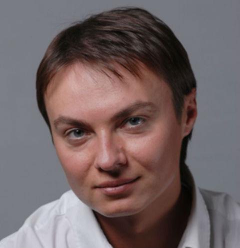 «У него был ВИЧ»: стала известна причина смерти звезды «Счастливы вместе» Александра Исакова