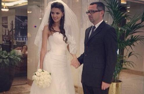 Год назад Алексей Рыжов женился. Сегодня пара отмечает ситцевую свадьбу
