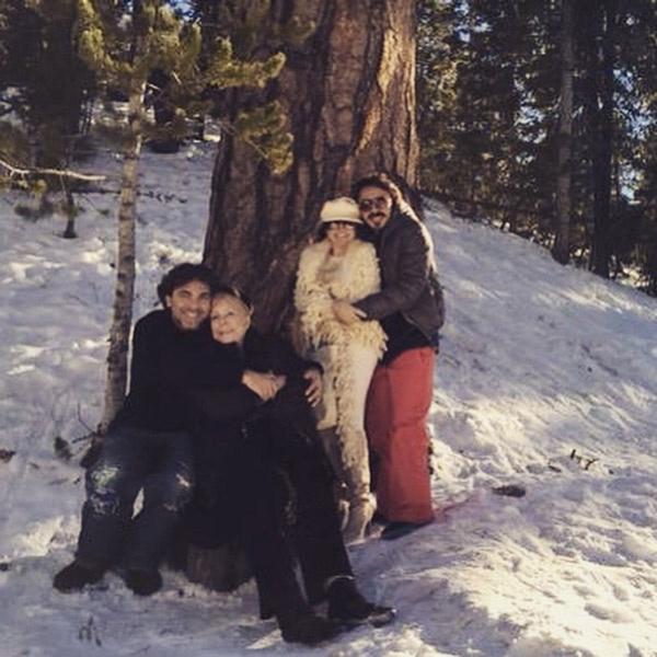 Вероника с сыновьями и мамой на отдыхе в США