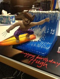 Коллеги подошли к заказу торта с юмором