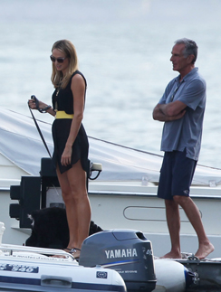 Стейси Килбер на яхте Джорджа