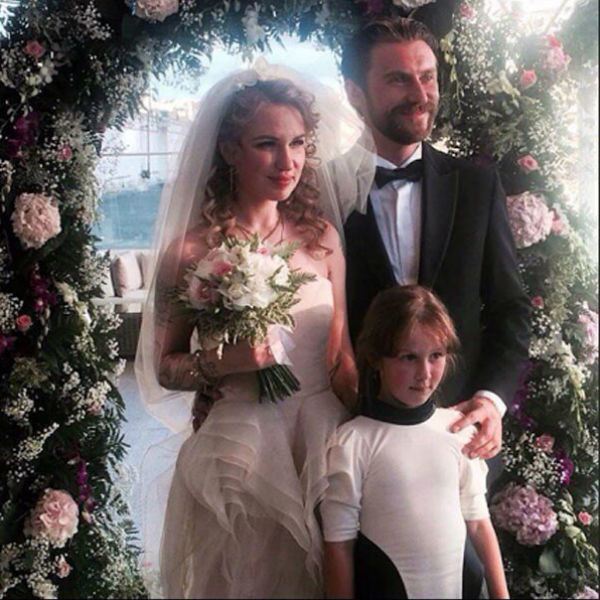 Влюбленные поженились две недели назад. На фото: Валерия Гай Германика, ее дочь Октавия и супруг Вадим Любушкин