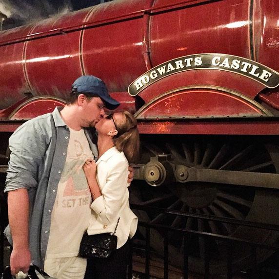 Во время экскурсии по Universal Studios Гарик и Кристина часто целовались