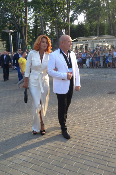 Николай Агурбаш с невестой Эльвирой