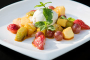 Мороженое и фрукты «фламбе»