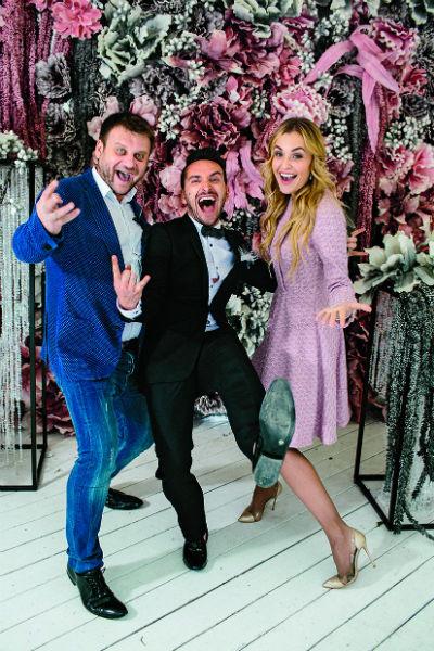 Совладельцы агентства Svadberry Анна и Дмитрий Городжие с ведущим вечера Максом Маркевичем
