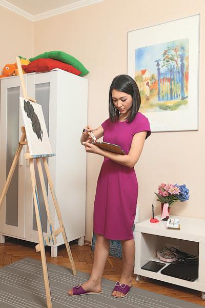 Уже несколько лет ведущая увлекается живописью. Ее картины украшают дома друзей