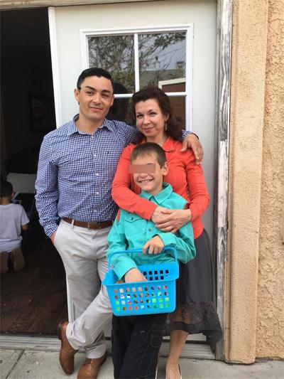 Наталья с сыном Даниилом и бойфрендом Джессом