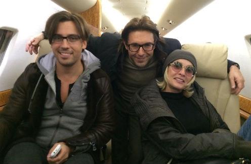 В самолете нас развлекали Максим и Лайма. Оба буквально не умолкали