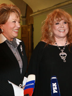 В 2008 году Алла Пугачева обсуждала проект строительства с тогдашним губернатором Петербурга Валентиной Матвиенко