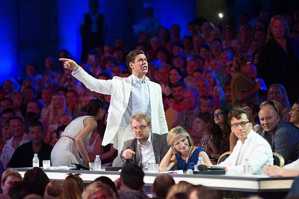 Дмитрий Дюжев не даст в обиду конкурсантов