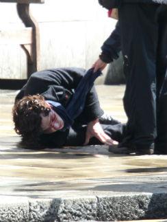 Второй сезон закончился падением Шерлока - Камбербэтча с крыши