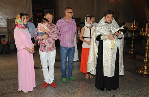 Гражданская жена Меньщикова Женя, Степан Меньщиков с сыном Иваном, Андрей Ковалев, крестная мать Ольга