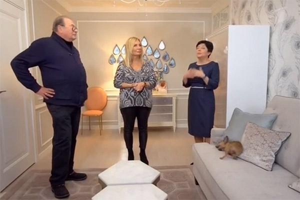 Жена Валентина Смирнитского сравнила гостиную с дворцом