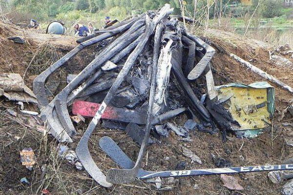 Клюшки были найдены на месте трагедии