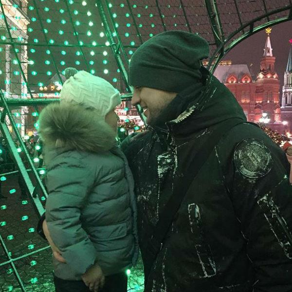Дмитрий старается не впускать посторонних в свою жизнь