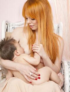 Анастасия Стоцкая почувствовала себя мадонной с младенцем