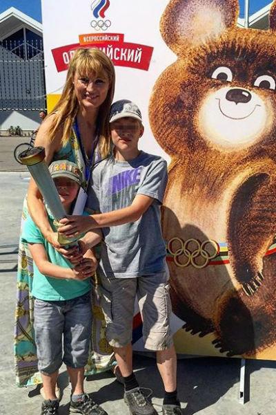 Светлана с детьми - Ярославом и Иваном