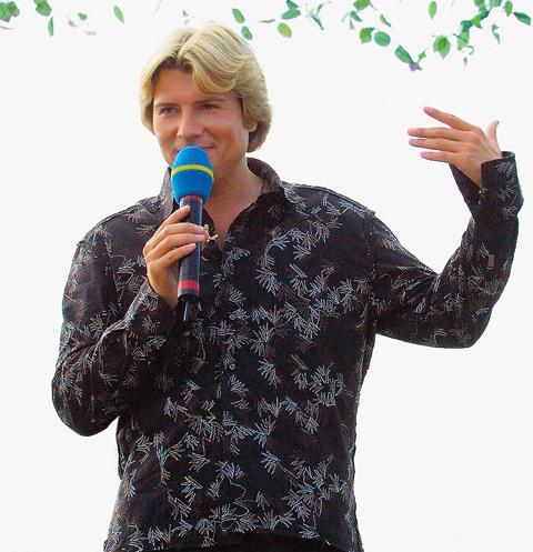 На первой телестройке в качестве ведущего себя попробовал Николай Басков