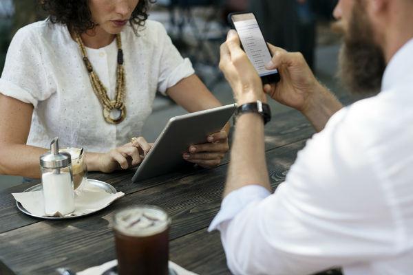 Павел Раков рекомендует как можно быстрее переходить от виртуального знакомства к реальной встрече