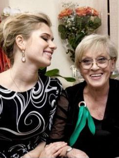 Алиса Фрейндлих с внучкой Анной