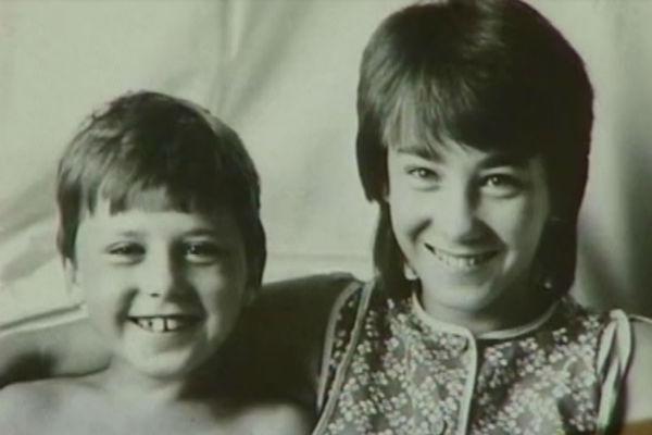 Будущий актер со старшей сестрой Ирой, 80-е годы