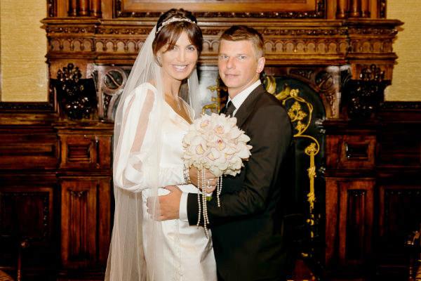 Букет невеста заказывала в элитном цветочном салоне более чем за 10 тыс. рублей