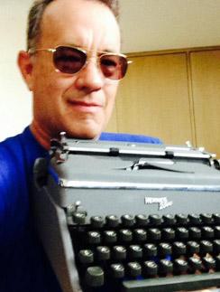 Том Хэнкс заскучал по старинной пишущей машинке