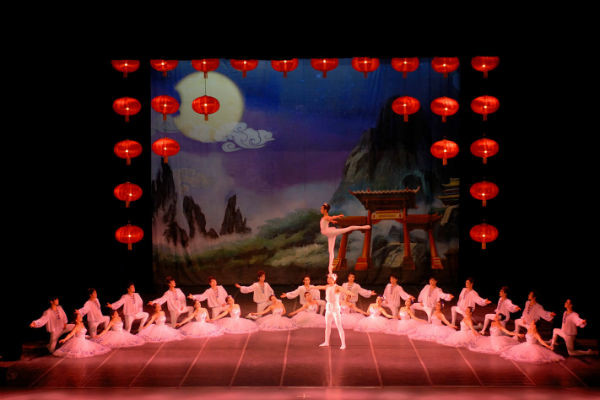 Балетно-акробатическое шоу впечатлит не только детей, но и взрослы