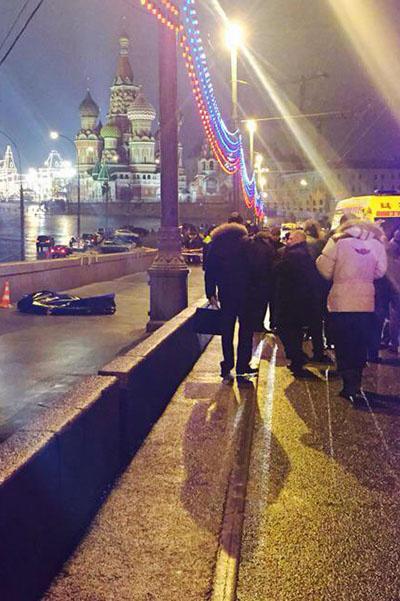 «Раньше это был мой друг…», - подписала снимок с места, где произошла трагедия, Ксения Собчак