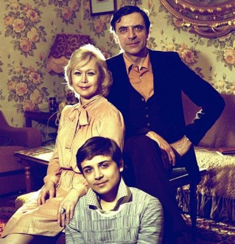 Светлана Немоляева с мужем Александром Лазаревым и сыном Сашей