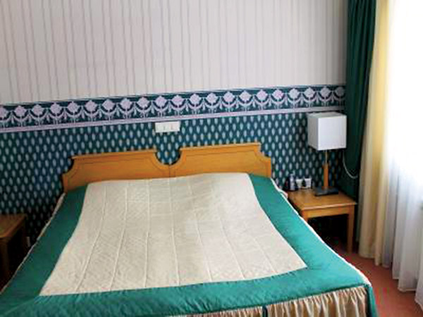 Депардье спал на той же кровати, что и Людмила Гурченко