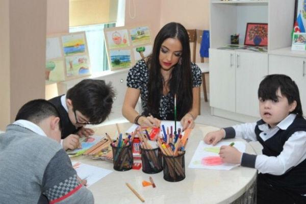 Лейла Алиева регулярно посещает детские дома