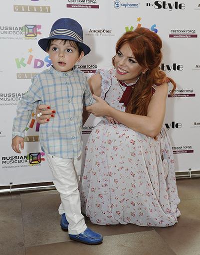 Анастасия Стоцкая и ее сын Александр